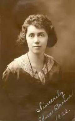 Edna Brown, 1922